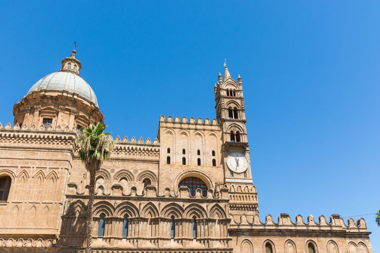 Palermo Palermo, Italy Palermo❤️ Palermo Shooting Palermo,Sicilia Building Exterior Built Structure Architecture Sky History Travel Destinations Clear Sky The Past Travel Tourism Dome Nature No People Low Angle View Day City Building Religion Place Of Worship Ancient Civilization