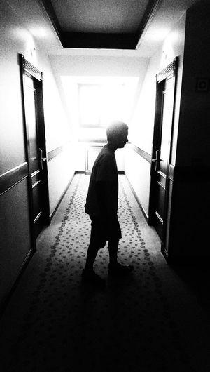 El resplandor... Black & White Silhouette