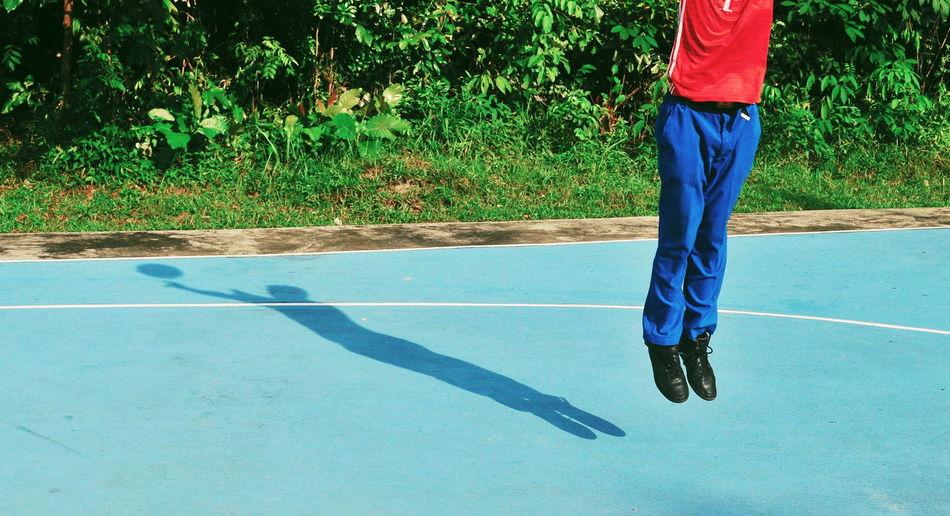 Jump Light And Shadow Shadows & Lights Shadow And Light Shadow Jump Jumpshot EyeEmNewHere EyeEm Selects EyeEm Gallery EyeEm Masterclass Court Low Section Sport Tennis Racket Standing Shadow Athlete Basketball Hoop Basketball Basketball - Sport Basketball Player