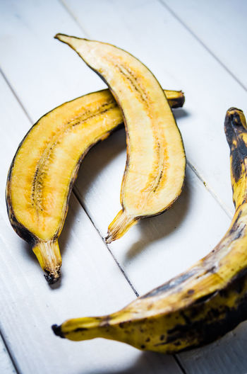 Meal Banana Day Food Food And Drink Foodphotography Freshness Fruit Garnish Gourmet Healthy Eating Indoors  No People Organic Plantain Plate Ready-to-eat Ripe Still Life Table Tabletop Tropical Fruit Wellbeing Yellow Yummy