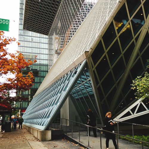 Rem Koolhaas Seattle Central Library Seattle Architecture Building Glass And Steel Urban Geometry Modern Architecture Amazing Architecture The Architect - 2016 EyeEm Awards EyeEm Gallery Urbanphotography
