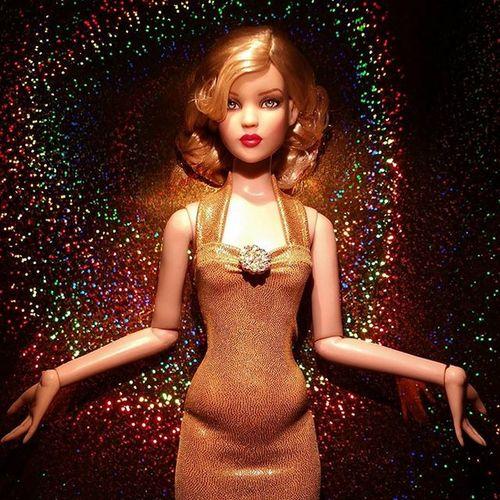Golden Goddess .... ************* Doll Dolls Dollstagram DollPhotography Dollphotogallery Dollphoto Toy Toys Toyphotography Toyphotogallery Toycrewbuddies Toyplanet Toygroup_alliance Toys4life Toyrevolution Toyunion Tonner Tonnerdoll Cami Glamourshot Glamour Ata_dreadnoughts