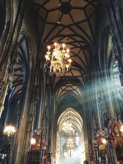 Vienna Canon Eos 1200d