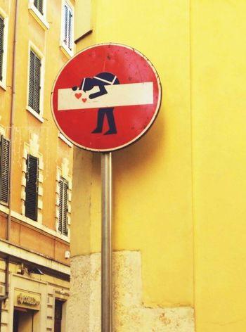 Walk This Way Panneau Rome Italy Interdiction Art Prohibited Streetphotography Street Photography Street Art Streetart