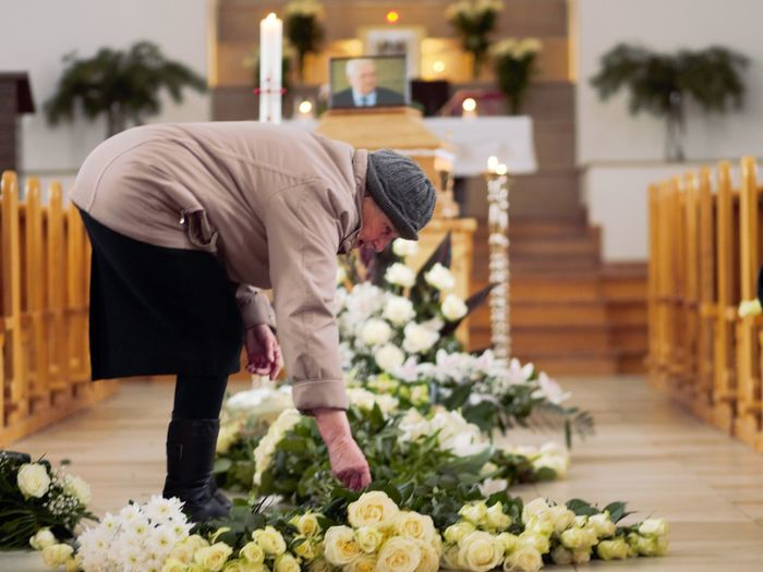 Funeral Funeral Flowers One Woman Only Church Flowers White Flower Flower Working Senior Adult International Women's Day 2019