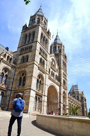 london The Traveler - 2018 EyeEm Awards Politics And Government City Religion Façade Sports Clothing Place Of Worship Women Blue History Sky
