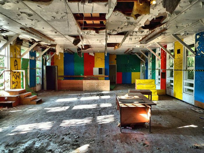 Rude graff 😂 Abandoned Abandoned Places Abandoned School EyeEm_abandonment Urbex Urbex_supreme Urban Exploring Trespass Graffiti Graff Abandoned Schoolhouse Residential  Derelict Colors Colours HDR Hdr Edit Empty Places Urbanex Hdr_Collection Sunlight Sun Rays