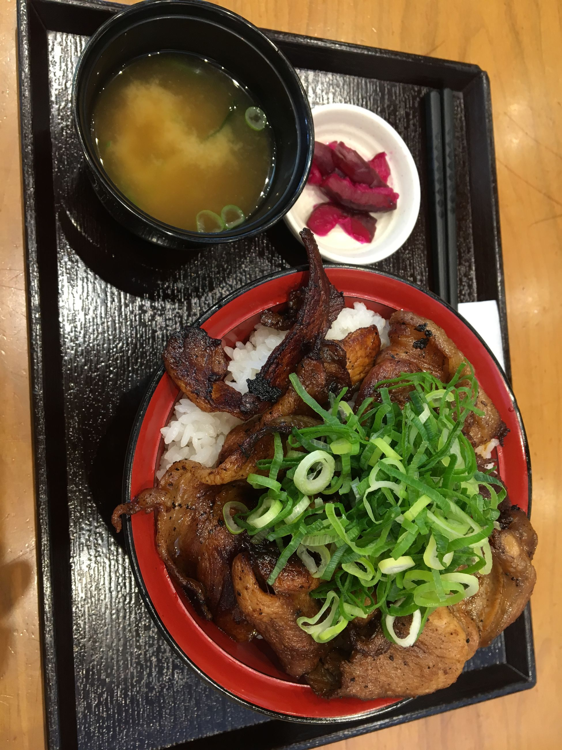 food and drink, ready-to-eat, food, freshness, healthy eating, table, wellbeing, indoors, vegetable, meat, bowl, directly above, meal, serving size, close-up, plate, still life, no people, high angle view, soup, beef, garnish, japanese food, serving dish, dinner