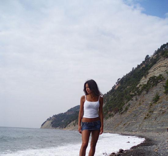 Ellita Leopartanyani On The Beach On The Shore Suntanned Sur La Plage Леопартаньяни Эллита Portrait Girl