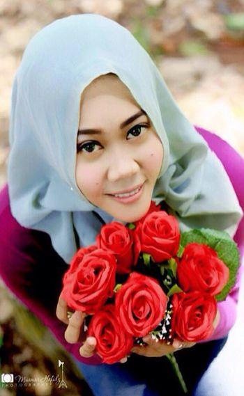 Hanging Out Hello World Taking Photos Enjoying Life Hi! That's Me Flowers Mawar Cheese! Hijab