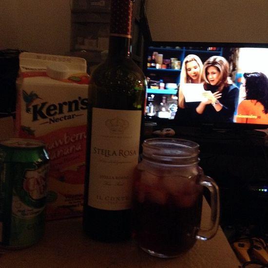 Drinking some wine x watching friends Stellarosa Ilconte 1917 Favorite Redwine Favoriteredwine Kernsnectar Strawberrybanana CanadaDry Gingerale