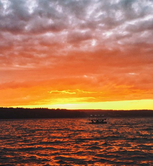 Sunset on Holmes Harbor Colour of Life Iphonephotography EyeEm Best Shots Sunset Colours Explosion Of Colors