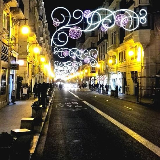 Shopping evening 💳💳💳 Colorful Xmaslights City Ouch Ig_mood Instagrammer Upandcoming Fridaynight Rightnow