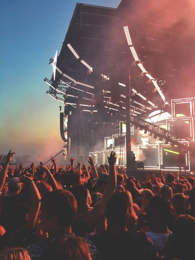 veld 2018 NaV Lil Xan Noizu Dj Snake Migos DVBBS Rap Canada Festival Veld Toronto Large Group Of People Night Real People Popular Music Concert Lighting Equipment Illuminated Nightlife Audience Fun Music Festival Stage - Performance Space Excitement Stage
