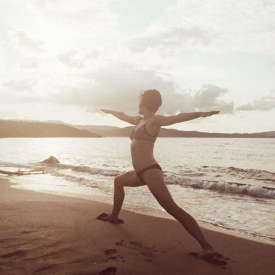 Yoga Health Beach Yoga On The Beach Fitness Life Is A Beach Girl Seaside