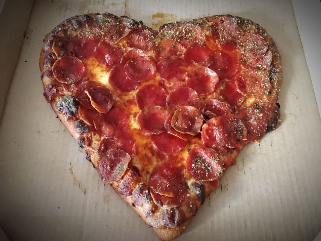 Heart Shape Pizza Check This Out Cheese! Cheese Pizza Pizza Valentine Romantic Food Love Food Pepperoni Pizza Valentine's Day
