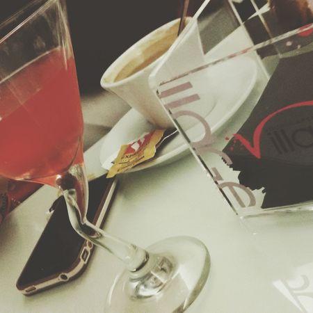 Su i bicchieri giu i pensieri brindiamo a questo nuovo anno che è arrivato sperando che sia migliore....e un brindisi va anche fatto finalmente ai miei cambiamenti ovviamente positivi Happynewyear2015 Felizañonuevo Bonneannee Mi Chiamano Ubriaconamaperchè?? Bacardi  Cocktails Cappuccino Caffee Inlove♥ ????????