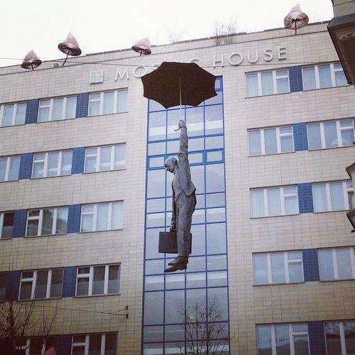 осеньпораулетать дуновениевечности ветервголове Прага Praha Prague MosaicHouse