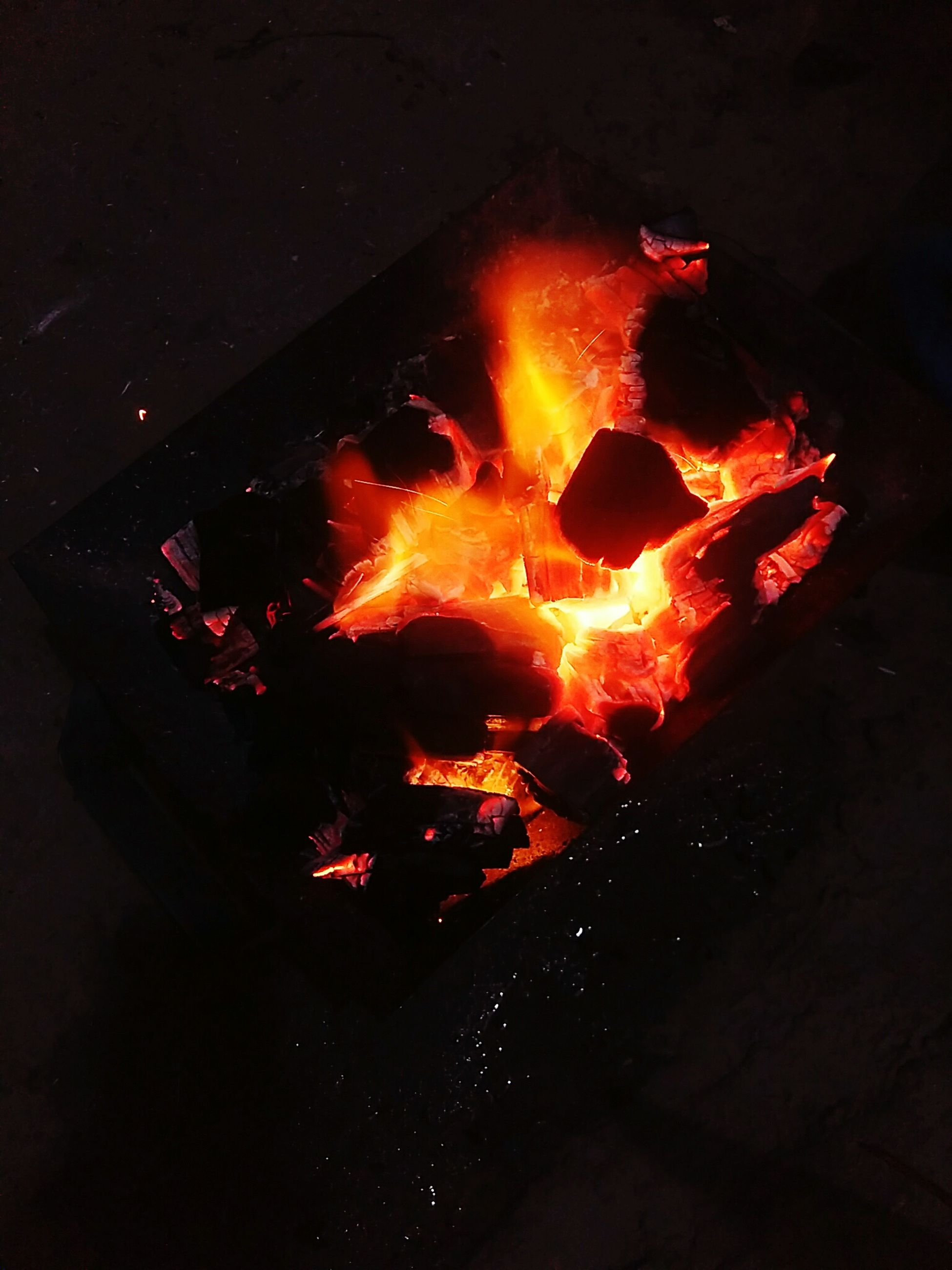 flame, burning, fire - natural phenomenon, heat - temperature, close-up, glowing, bonfire, firewood, campfire, fire, outdoors, luminosity, yellow color, heat, spark