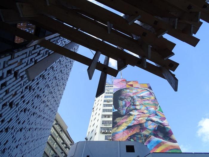 ezefer Architecture Building Exterior Built Structure City Day Eduardo Kobra Kobra Low Angle View Multi Colored No People Oscar Niemeyer Outdoors Sky The Architect - 2017 EyeEm Awards