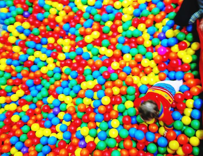 Colorful place Kinder Kinder Spielplatz Playground Spielzeug Babylove EyeEm Best Shots EyeEmBestPics Eye4photography  Baby Playing Balls Colorful Balls Playground Having Fun Multi Colored Close-up Colorful