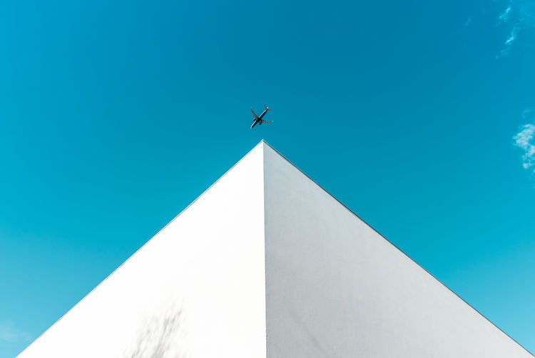 Perfect moment Architectural Feature Architecture Architecture_collection Architecturelovers Architecturephotography Architectureporn Blue Clear Sky Day Minimal Minimal_perfection Minimalism Minimalism_masters Minimalist Minimalist Architecture Minimalist Photography  Minimalistic Minimalmood Minimalobsession Minimlaism No People Perfect Moment Portrait Portugal Sky