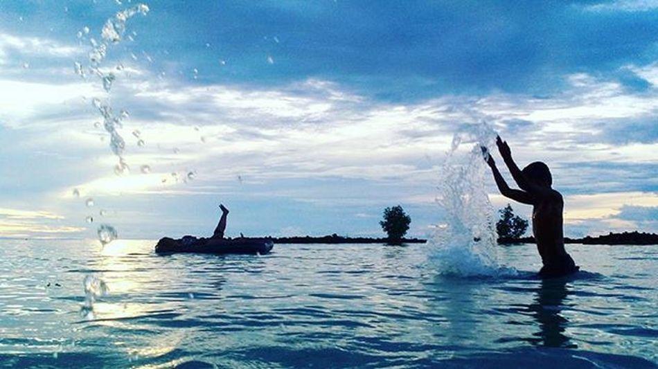. Photo by: @zian_theteens26 Beach Waelumubeach Wakatobi Pelosoknusantara Alamindonesia Lingkarindonesia Indotravellers Wonderfullindonesia Mataponsel