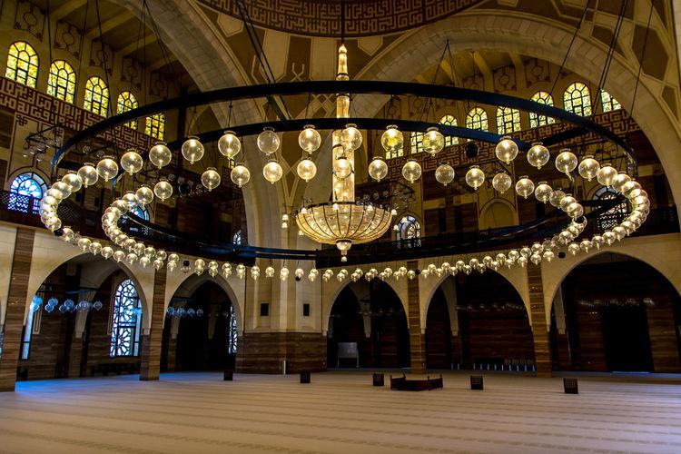 Al Fateh Big Mosque Arabic Architecture Arquitecture Bahrain Decoration Famous Place Illuminated Indoors  Lamp Mosque Ornamentation Ornate Place Of Worship Prays Religion Religious Architecture Spirituality
