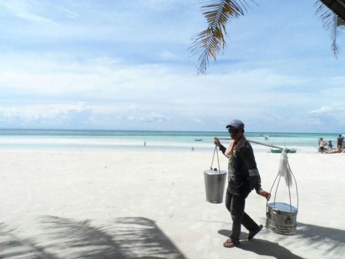 Taho Vendor Sea People And Places Locals Eyeem Philippines Eyeem Cebu