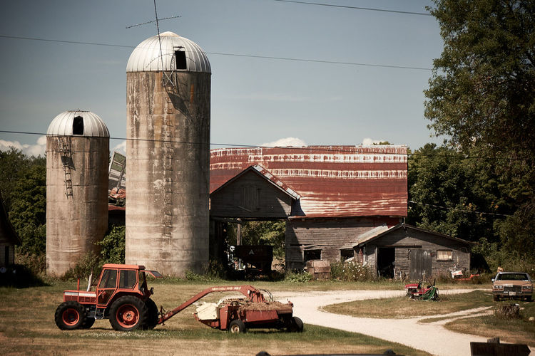 Architecture Barn Building Exterior Built Structure Door County Exterior Farm Farm Life No People Old Outdoors Rustic Tracktor Wood Working Hard