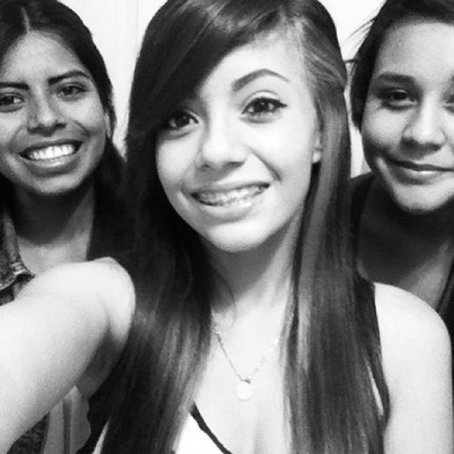 The cousinn , meeee , and the sister ♥