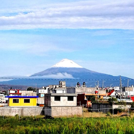 Mountain Snow Sky Volcano Puebla, México. The Photojournalist - 2017 EyeEm Awards Nature White And Blue Popocatepetl, Puebla México, City.