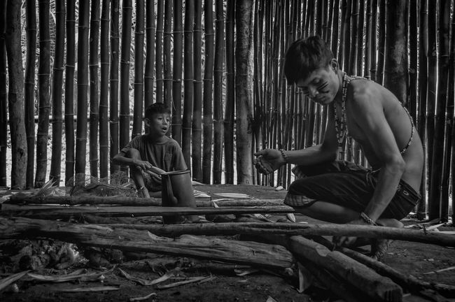 Bambu Indian Rio Silveira Indian Reservation Aldeia Guarani Bamboo Bamboo Building Bamboo House Black And White Built Structure Bule Construção De Bambu Curumim Day Guarani Indian Guarani Man Guarani Village Indigenous Culture Indigenous Reservation Indigenous Youth Indio Guarani Jovem Indigena Lifestyles Praia De Boraceia Pretoebranco Reserva Indigena Rio Silveira