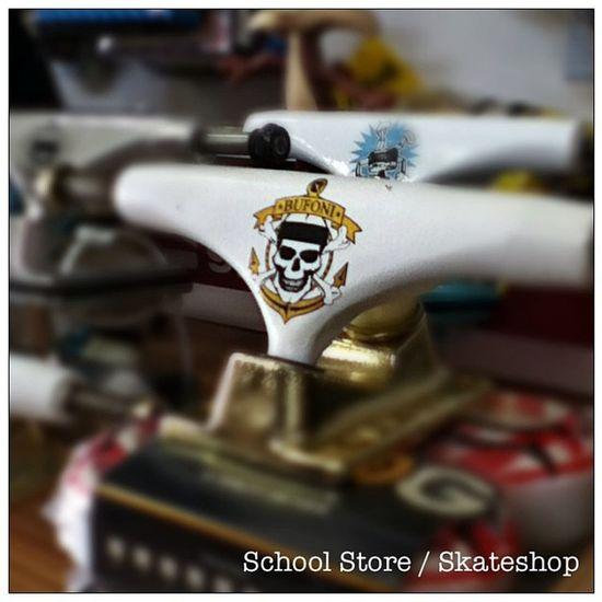 Skate é na School Store Truck Shape Roda Rolamento variedade schoolstore school store core lifestyle urbanwear skateshop boardshop skate skateboard siga followme follow me