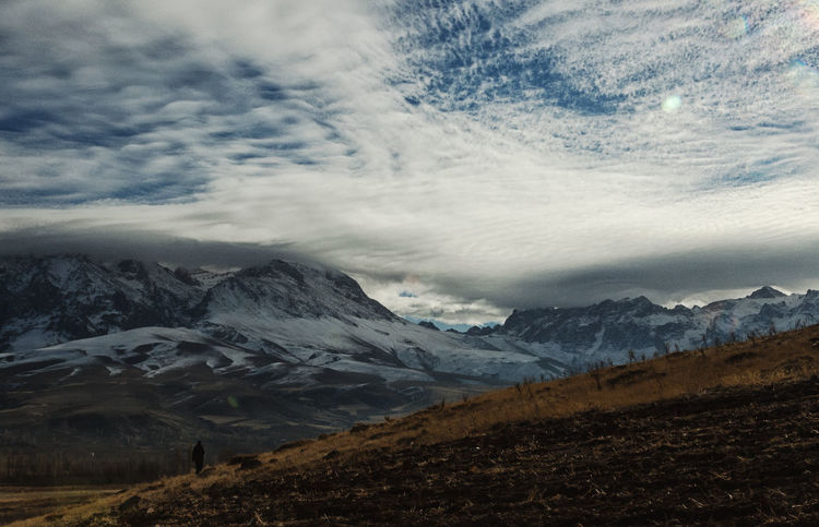 Snowcapped Mountains Beauty In Nature Clouds Fields Grassy Hills And Valleys Hillside Landscape Mountains Mountains And Sky Nature Niğde Outdoors Scenics Sky Snow Sunbursts Turkey Valleys Wintertime
