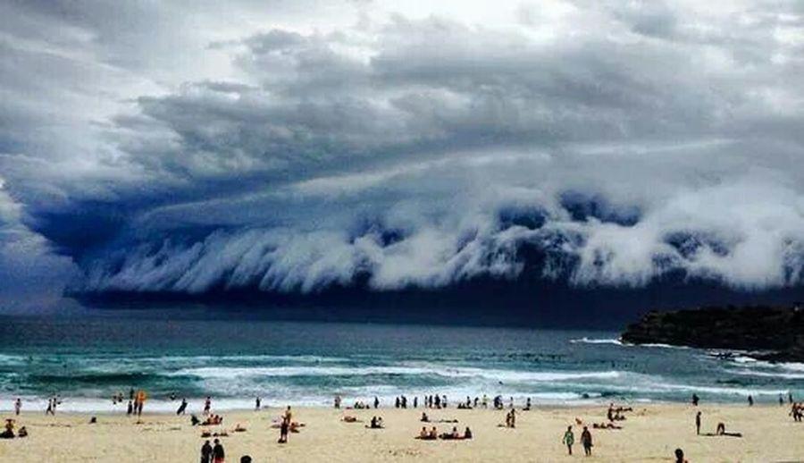 Una nube extraña en Sidney, Australia. Imagen perfecta de Dios First Eyeem Photo