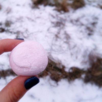 Снежно-зефирная легкость бытия💭🍥 По дороге в Одессу появляется снег❄⚪ Letitsnow Snow Odessa Marshmallow Zephyr Pink Raspberryzephyr Honeybunny снег сладкийкроль Raspberry малина