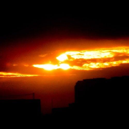 Sunset Sun Goldenlight Golden light clouds home sky sunrays nature naturebeauty