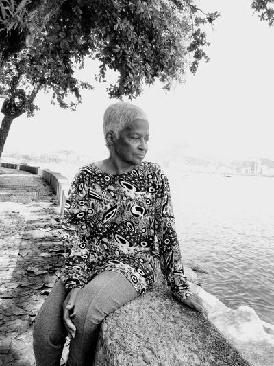 Black and white people Grandmother Grandma Love Mom´s Love Momy Eyeem Market Beautiful Woman Beautiful Scenery Blackandwhite Photography Teraphy Photographylovers This Is Aging Tree Young Women Sitting Water Portrait Beach Lake Sky Horizon Over Water Calm Ocean Seascape Tranquil Scene