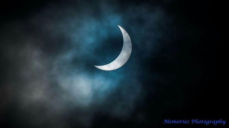 Today's eclipse ! Eclipse2015 Eclipse Eclectic_bnw EyeEm Best Shots Popular Popular Photos EyeEm Nature Lover Eye Em Nature Lover