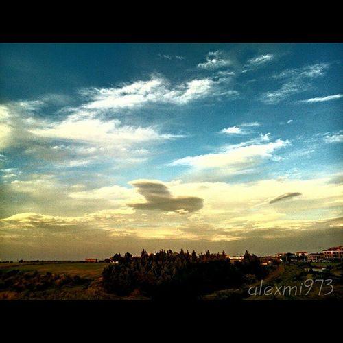 Like a plane AscoliSatriano Puglia Cielo Nuvoloso cloudy sky italianlandscape scatti_italiani Italy ita igPuglia igerspuglia TATF