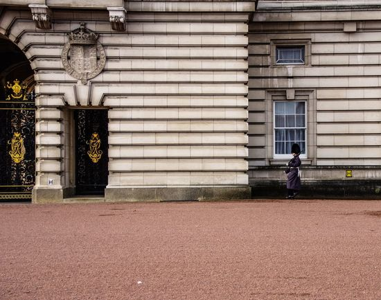 Buckingham Palace - January 2017 Palace Protection Guard Buckingham Palace Britain Uk London Building Exterior One Person Built Structure Architecture Outdoors Full Length Real People