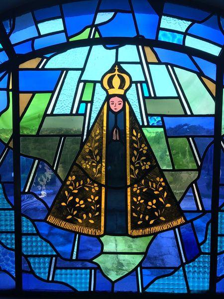 Rezar Igreja Window