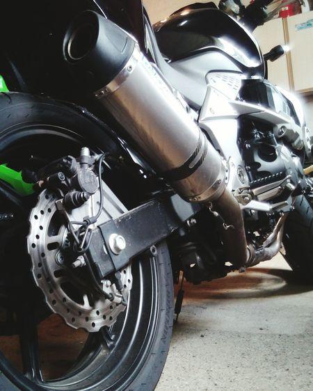 Motorcycle Kawasaki Z750  Leovince Petrol Exhaust Speeding Tire