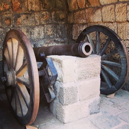 A mini cannon at the Daulatabad fort. Indianhistory Incredibleindiaofficial Indianforts Incredibleindia india wanderlust travelbug travel maharashtra forts