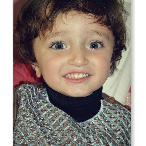 Don't you guys think he looks like Hamzaaliabbasi ?? Kids Portrait Children's Portraits