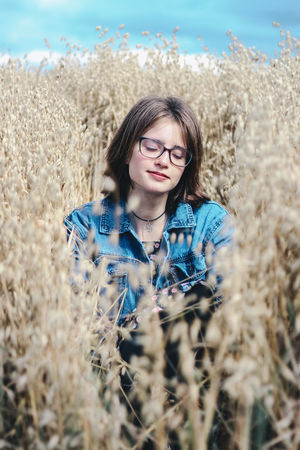 Fields of Gold Friends Natural Natural Light Natural Light Portrait Wheat Wheat Field Woman Beautiful Woman Beauty In Nature Day Eyeglasses  Field Front View Leisure Activity Lifestyles Nature One Person Outdoors Plant Portrait Real People Standing Woman Portrait Young Adult Young Women