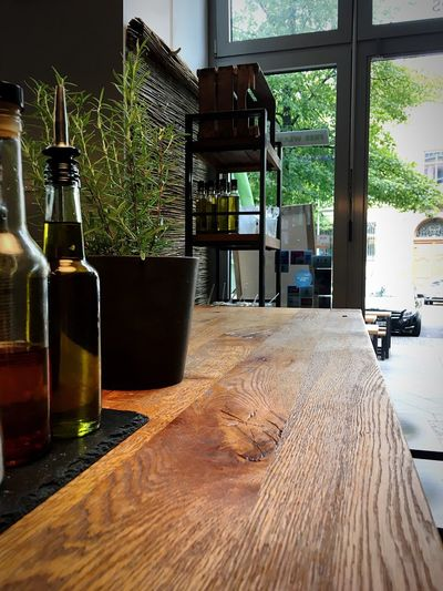 Kein Mittag Empty Table Noon Wooden Table Herbals Oil Indoors  No People Table Nature Wood - Material Day Architecture Plant Flooring Bottle