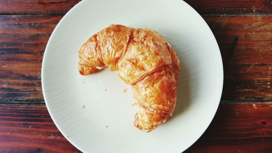 Croissant Food Baked Breakfast Food And Drink Plate Bread Freshness Eating Gourmet No People Indoors  Top View Foodphotography