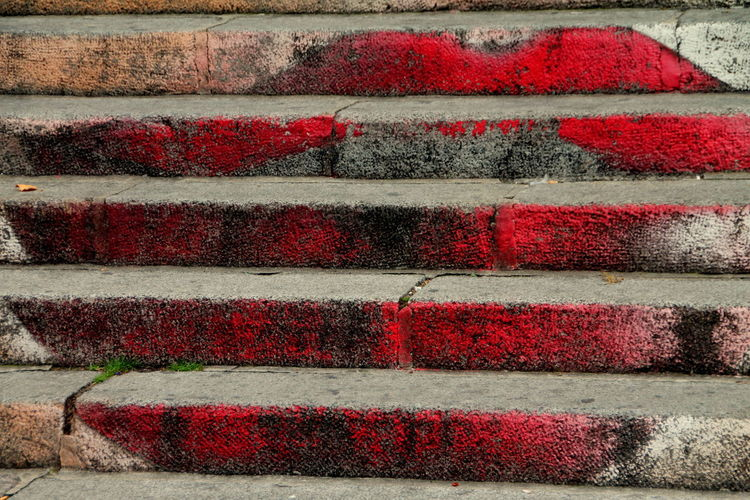 Modern Art!!! Canonphotography Outdoors Red Red Lips Red Lips On Stairs Streetart Streetphotography